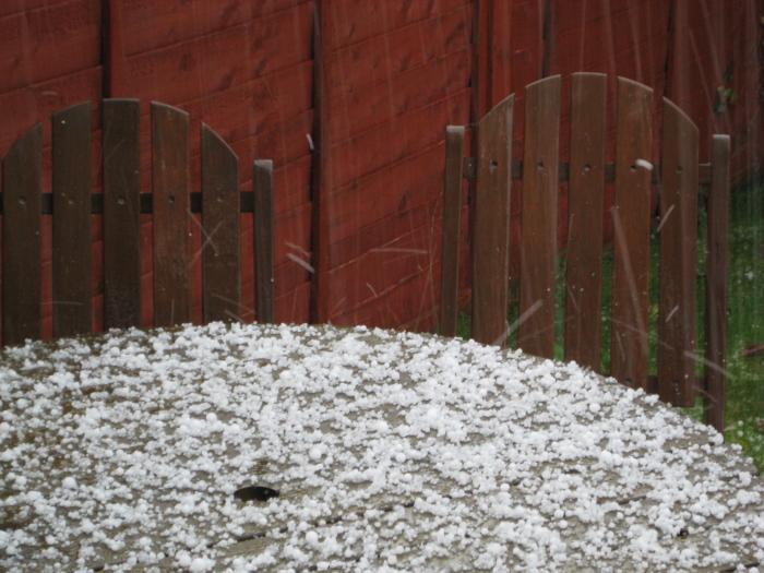hail1small.jpg