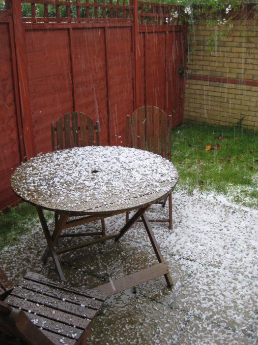 hail2small.jpg